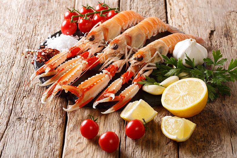 Une carte de poissons avec entrées et plats à la plancha à Biarritz | Chez Albert