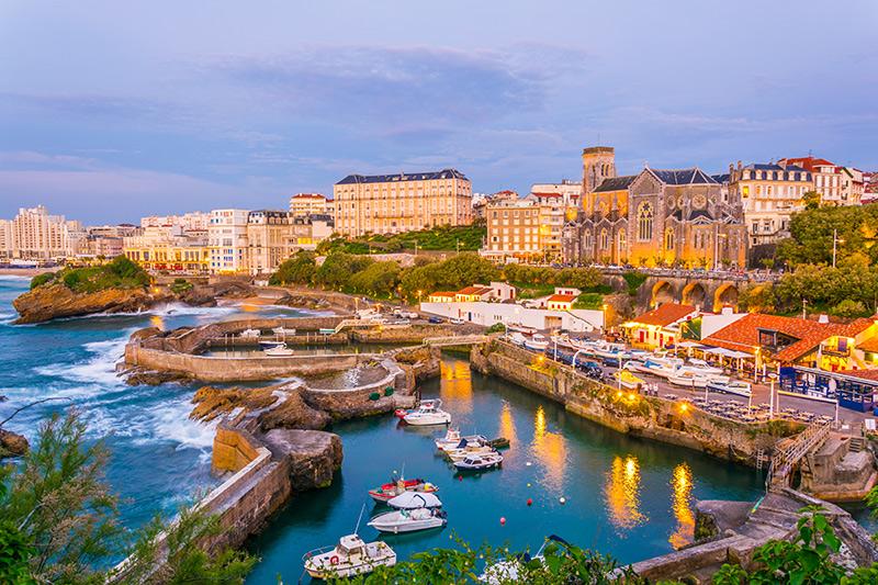 La mer s'invite dans votre assiette avec nos spécialités à base de poissons et fruits de mer à Biarritz | Chez Albert